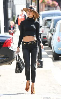 Kimberley Garner in a black tight shirt looking exquisitly Beautiful Blonde Celebrities, Hollywood Celebrities, Celebs, Wearing All Black, All Black Outfit, Garner Style, Kimberley Garner, Classy Casual, Sexy