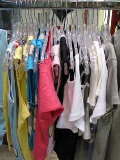 """Whether saving time and energy in the laundry room, accommodating a large number of guests or expanding closet storage, a rolling clothes rack solves many """"where do I hang it? Free Clothes, Diy Clothes, Rolling Clothes Rack, Diy Garden Decor, Easy Projects, Amazing Gardens, Woven Fabric, Hair And Nails, Martini"""