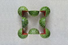 과일과 채소를 이용한 기하학적 푸드아트 by Sakir Gokcebag