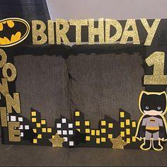 Foto del comprador redwine162, que ha escrito una reseña de este artículo con la Etsy app for iPhone. Lego Batman Birthday, Avengers Birthday, Batman Party, Superhero Birthday Party, Foto Batman, Twin Birthday Parties, Birthday Ideas, Lincoln Birthday, Party Frame
