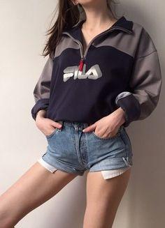 À vendre sur #vintedfrance ! http://www.vinted.fr/mode-femmes/sweats/38205581-sweat-vintage-fila-en-matiere-synthetique