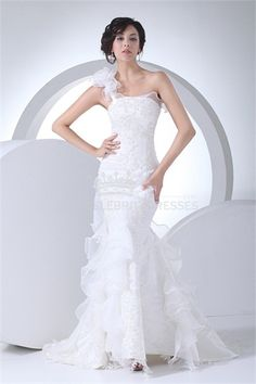 Trumpet One-shoulder Sweep Train Wedding Dress