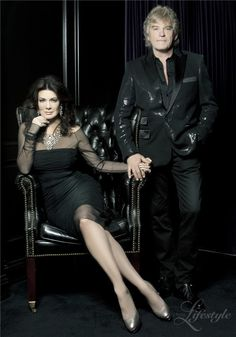 In Beverly Hills Lifestyle - Spring 2011. Makes me want a pic like this of the capt and myself for our foyer.