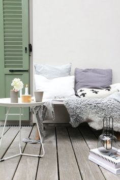 ...vom Sommer - er fällt mir leicht weil ich den Herbst so sehr mag! Small Terrace, Perfect Image, Entryway Bench, Bedroom, Inspiration, Furniture, Design, Home Decor, Balcony