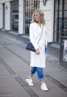 outfit_whitetrenchcoat