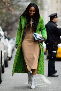 2016 The Best Street Style From New York Fashion Week Source by jantienafieyra fashion Best Street Style, Looks Street Style, Cool Street Fashion, Street Chic, Nyfw Street, Paris Street, Black Women Fashion, Womens Fashion, Look Office