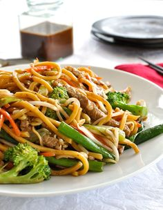 Chinese Stir Fry Noodles Build Your Own - Asiatische rezepte Chinese Stir Fry Noodles, Chinese Stir Fry Sauce, Asian Noodles, Asian Noodle Recipes, Stir Fry Recipes, Cooking Recipes, Chinese Recipes, Chinese Food, Japanese Food