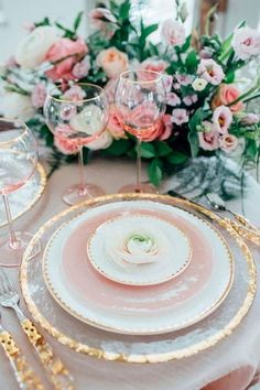 62 Ideas Wedding Table Rose Gold Place Settings For 2019 Table Place Settings, Wedding Place Settings, Beautiful Table Settings, Pink Table Settings, Setting Table, Elegant Table Settings, Table Set Up, Centerpiece Christmas, Christmas Table Decorations