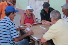 Playing domino in the streets, an afternoon Cuban tradition. Cuba Tours, How To Play Dominoes, Cuban People, Domino Effect, Panama, Photo Art, Nostalgia, Traditional, Earth