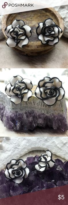 Black & White Flower Stud Earrings Made with Fimo Clay. Brand New Jewelry Earrings