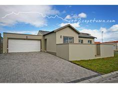 3 bedroom house in Parklands, , Parklands, Property in Parklands -