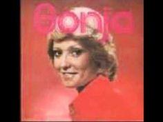 Sonja Herholdt-Die Trein Na Matjiesfontein.wmv Afrikaans, Music Songs, South Africa, Memories, Singers, Youtube, Bands, Videos, Nostalgia