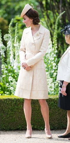 Pin for Later: Kate Middleton Just Wore Her Go-To Wedding Guest Dress to a Garden Party Kate Middleton Style Dresses, Casual Kate Middleton, Kate Middleton Makeup, Kate Middleton Wedding Dress, Garden Wedding Dresses, Dress Wedding, Popsugar, Fashion Dresses, Ireland