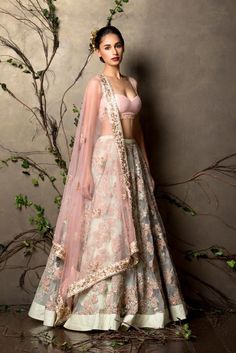 a52f17cafb0 Simple lehanga idea Indian Wedding Outfits