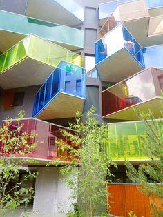 Prédio com varandas coloridas, Boulogne-Billancourt, França