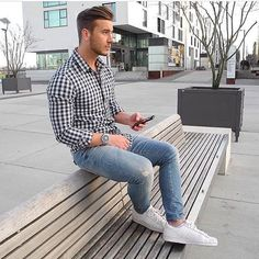 What are some great casual outfit for guys? Today we are talking all about casual outfit for guys and how you can wear them with a […] Mode Outfits, Casual Outfits, Stylish Men, Men Casual, Casual Styles, Casual Fall, Casual Menswear, Smart Casual, Mode Man