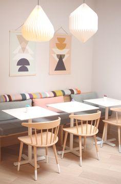 Mombini - 15e Paris café-poussette / boutique via Wild Honey Modern Furniture, Home Furniture, Kids Cafe, Interior Architecture, Interior Design, Restaurant Concept, Decoration Inspiration, Deco Design, Dining Room Design