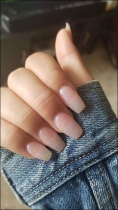 The advantage of the gel is that it allows you to enjoy your French manicure for a long time. There are four different ways to make a French manicure on gel nails. The choice depends on the experience of the nail stylist… Continue Reading → Aycrlic Nails, Hair And Nails, Coffin Nails, Nail Nail, Nail Tech, Nail Polishes, Best Acrylic Nails, Acrylic Nail Designs, Acrylic Colors