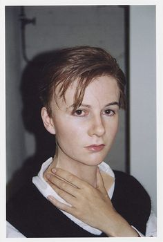 Gillian Wearing masks: The artist wearing mask of Self Portrait at 17 Year