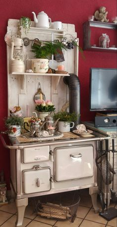 my beloved kitchen witch❤❤❤ - Estufa Country Decor, Farmhouse Decor, Wooden Jewelry Display, Antique Booth Displays, Old Stove, Antique Stove, Vintage Stoves, Estilo Shabby Chic, Barn Living