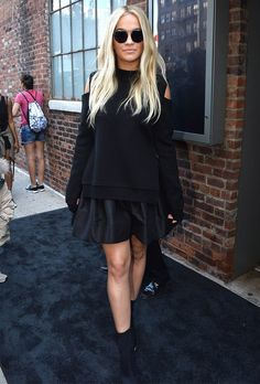 rita-ora-front-row-look-all-black