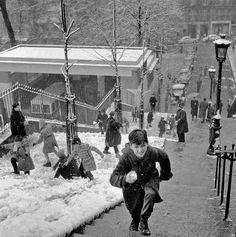 Robert Doisneau ( La Neige ) - Les escaliers de Montmartre 1958