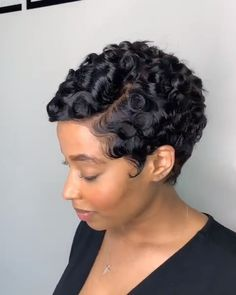 beautiful cuts with nappyme % NOW! beautiful cuts with nappyme Short Quick Weave Hairstyles, Bob Hairstyles For Fine Hair, Short Hair Styles Easy, My Hairstyle, Curly Hair Styles, Natural Hair Styles, Short 27 Piece Hairstyles, Short Relaxed Hairstyles, Braided Hairstyles