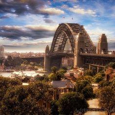 The Sydney Harbour bridge as seen from the observatory. (by @adrianoleitephoto on Instagram) #sydney #ilovesydney #australia #aussiephotos #city #skyline #colorful #picoftheday #skyporn #landscape #seascape #cityscape #sunrise #wanderlust #operahouse #melbourne #harbourbridge