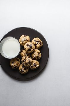 1-Bowl, Peanut Butter Oatmeal Chocolate Chip Cookies | edibleperspective.com #glutenfree #vegan