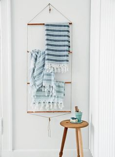 DIY Bathroom Towel Rack with Copper Pipes//