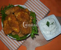 INFORMAZIONI: Dosi per: 2 persone Difficoltà: bassa Preparazione: 20 minuti Cottura: 20 minuti INGREDIENTI PER IL POLLO: 280 gr di petto di pollo (circa 3 fette) 3 cucchiai di farina integrale 4 cucchiai di pangrattato 1 uovo 1 cucchiaino scarso di curry 1 cucchiaino di paprika dolce 1 cucchiaino di curcuma olio extravergine di oliva sale q.b. INGREDIENTI PER LA SALSA ALLO YOGURT: 125 ml di[…]