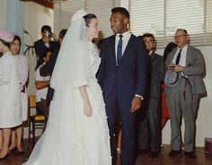 Pele marries his partner Rosemeri dos Reis Cholbi in 1966