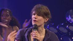 """Camille chante """"Ta douleur"""" – Les concerts de France In…"""