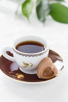 Coffee Gif, I Love Coffee, Hot Coffee, Coffee Break, Coffee Cups, Chocolates, Coffee Presentation, Creative Coffee, Good Morning Coffee