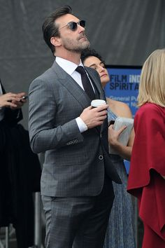 Jon Hamm was given a kiss on his cheek by actress Jenny Slate as he left an award ceremony in Santa Monica, Los Angeles.• Celebrity WOTNOT ------------------------ For further information on this story and image please visit www.celebritywotnot.com. These Images are ©Atlantic Images. No use without permission. Please contact Atlantic Images for licensing.  This video is copyright Atlantic Images. Please contact Atlantic Images for licensing. No use without permission.