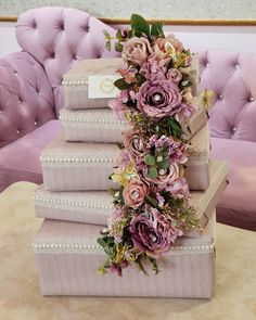 #azerbaycan #aztagram #instagram #xoncanur #xoncaha#heri#nishan #xina #hediyye # Bridal Gift Wrapping Ideas, Creative Gift Wrapping, Wedding Gift Boxes, Wedding Gifts, Engagement Gift Baskets, Engagement Decorations, Birthday Present For Husband, Trousseau Packing, Desi Wedding Decor