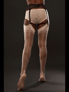 Fully Fashioned Cuban Heel Stockings in Peach - Gio