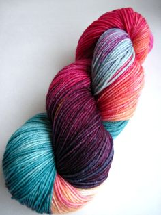 Colorway: Trade Winds    Bare: 75% Superwash Merino Wool / 25% Nylon 462 yards / 100 grams  Fingering Weight 7-8 sts / inch on #1-3 needles