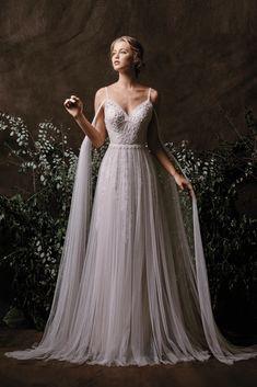 Nissa - BRIDAL - Chic Nostalgia - Bohemian and Romantic Wedding Dresses # böhm . - Nissa – BRIDAL – Chic Nostalgia – Bohemian and Romantic wedding dresses # bohemian # Bridal d - Western Wedding Dresses, Bohemian Wedding Dresses, Dream Wedding Dresses, Bridal Dresses, Wedding Gowns, Dresses Dresses, Wedding Hair, Tulle Wedding, Medieval Wedding Dresses
