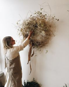 Fantastic Pic natural Wreath Strategies There is so lots of things to preoccupy write enthusiasts on Christmas although surely generating yo Dried Flower Wreaths, Dried Flowers, Floral Wreaths, Autumn Wreaths, Holiday Wreaths, Rustic Wreaths, Burlap Wreaths, Tulle Wreath, Spring Wreaths