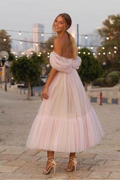 Event Dresses, Ball Dresses, Ball Gowns, Wedding Dresses, Wedding Guest Outfits, Pretty Prom Dresses, Cute Dresses, Beautiful Dresses, Gorgeous Dress