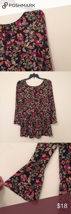 NWOT H&m Boho floral drop waist bell sleeve dress Super cute and NWOT H&m floral boho shift dress with bell sleeves and button up back. Very comfy and flowy. Tried on and removed the tags but it's sat in my closet since. In perfect condition. Pair with strappy sandals or wedges for a dressier look. H&M Dresses Long Sleeve