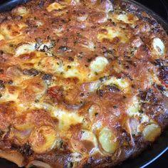 Hartige taart met restjes gemaakt. Onder andere met aardappel en tomaat