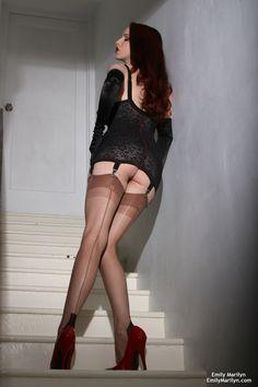 Long legs in Tight Stockings - Extra Juicy Stuff ⋆ Buzzy Boom Miss Mosh, Stockings Heels, Nylon Stockings, Nylons, Stocking Tights, Brunette Beauty, Girls Wear, Long Legs, Sexy Legs