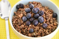 This vanilla chai infused buckwheat granola is gluten free, has minimal sugars (free of dried fruit and refined sugars) but exuberating in nutritious seeds. My Favorite Food, Favorite Recipes, Gluten Free Granola, Vanilla Chai, Dried Fruit, Buckwheat, Healthy Recipes, Healthy Food, Sugar Free