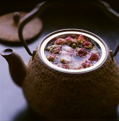 qaswaa: Rose tea benefits: * calms nervous system * anti-depressant * digestive * cleansing * anti-oxidant *