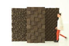 """Proyecto  inspirado en el pintor Braque .""""  El resultado es una baldosa acústica de corcho modular, aislante,  térmica y acústicamente . Gracias a su forma simple y geométrico, también se pueden crear diferentes patrones que dan las paredes o techos de gran impacto gráfico y decorativo.  Pensado para ser realizado en dos dimensiones:. 100x100x90mm y 200x200x90mm   distribuido en Italia por TECNOSUGHERI.http://www.taniadacruz.com/"""