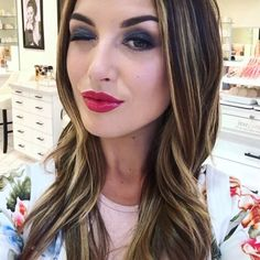 Organic Bunny's wink Brows, Lashes, Organic Beauty, Serum, Long Hair Styles, Lady, Instagram Posts, How To Make, Feather