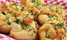 Why knot make pizzeria-style garlic bread bites at home? Italian Garlic Knots Prep Time 10 MIN Total Time 25 MIN Servings 12 Ingredients 3 to 4 cloves garlic, chopped 2 tablespoons butter 2 tablespoons olive oil 1 teaspoon chopped Garlic Knots, Garlic Bread, Garlic Rolls, Garlic Butter, Herb Butter, Butter Oil, Pillsbury Recipes, Copycat Recipes, Pasta Dishes