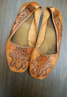 ☯☮ॐ American Hippie Bohemian Style ~ Boho Hand Tooled Leather Flats
